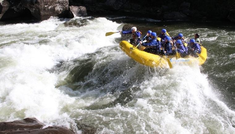 upper-gauley-river-rafting